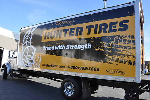 24-box-truck-wrap-using-gf-for-hunter-tires-5.png
