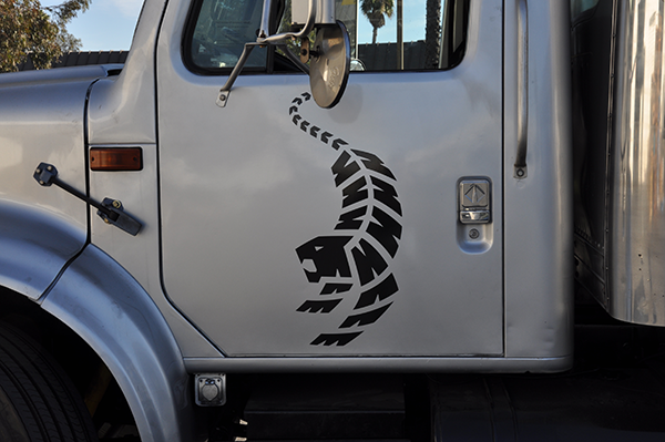 24-box-truck-wrap-using-gf-for-hunter-tires-7.png