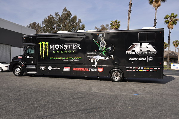 3m-gloss-motorhome-wrap-for-freestyle-mx-and-monster-energy-23.png