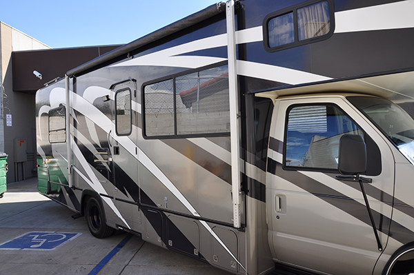 thor-class-c-motorhome-wrap-for-a-family-1.png