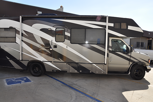 thor-class-c-motorhome-wrap-for-a-family-2.png